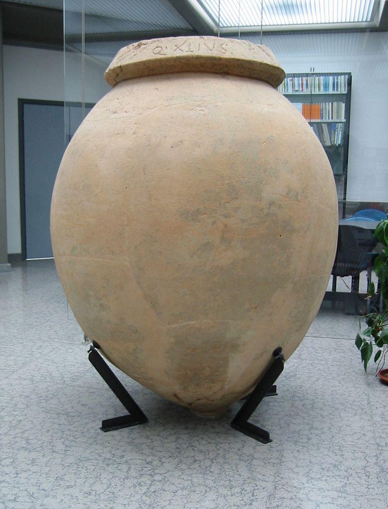 800px-Museo_Archeologico_della_Sibaritide_Dolium.jpg